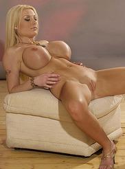 Kelly Bell 08