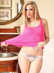 Sophia Knight 02