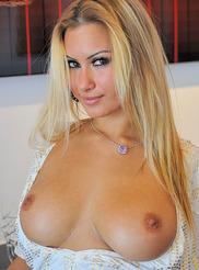 Super Sexy Nudes 00