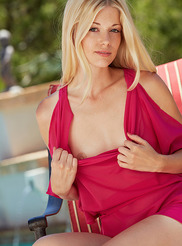 Charlotte Stokely 04