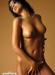 Golden Babe Latifa 12