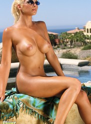 Heather - Poolside 09