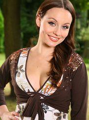 Beautiful Carla 00