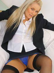 Very Hot Secretary 02