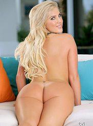 Jessica Jensen 15
