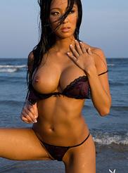 Linda Song 04