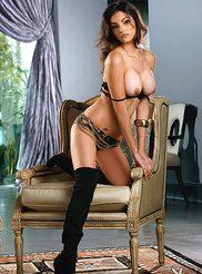 Nadia Moore 05
