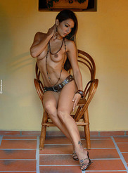 Vanessa - Small Chair 07