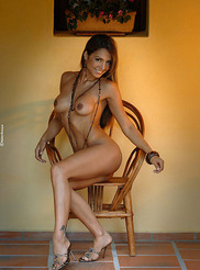 Vanessa - Small Chair 08