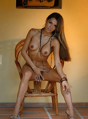 Vanessa - Small Chair 09