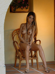Vanessa - Small Chair 12