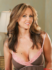 Julia Ann 03