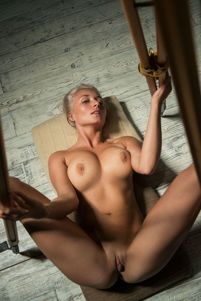 Nude isabella d Isabella D